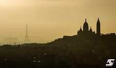 Foggy (A.G. Photographe) Tags: sunset paris france fog french nikon europe eiffeltower foggy montmartre sacrcoeur toureiffel ag capitale nikkor brouillard franais parisian brume anto xiii parisien d810 brumeux antoxiii 70200vrii agphotographe