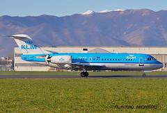 KLM_Fokker70 (Claudio_Fly) Tags: sky airport nikon engine aeroporto volo boeing klm turin takeoff viaggi aereo aviazione uccello fokker volare decollo aeroplano trn atterraggio d5000 rotore