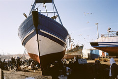 - (shumpei_sano_exp9) Tags: rust kodak voigtlander maroc 160vc portra essaouira 25mm ruggine skopar leicacl