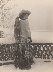 Woman with snowshoes , 1909