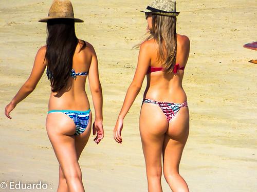 bikini beach hot girls