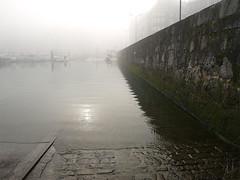 Puerto con niebla. (agustincordoba_g) Tags: puerto cordoba laredo niebla agustin pescadores