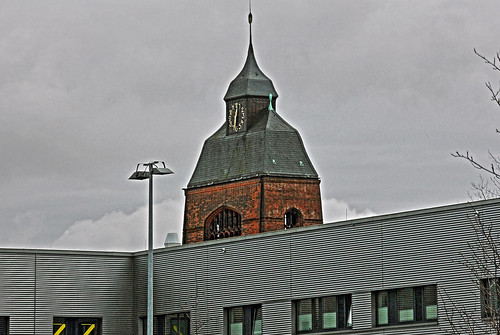 "Petruskirche Kiel 02 HDR • <a style=""font-size:0.8em;"" href=""http://www.flickr.com/photos/69570948@N04/16552169820/"" target=""_blank"">Auf Flickr ansehen</a>"