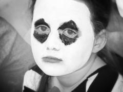Triste pour Nice 14.07.16 (saudades1000) Tags: triste lenfanttriste noiretblanc blackandwhite retrato portraiture girl pierrot attentatanice priezpournice