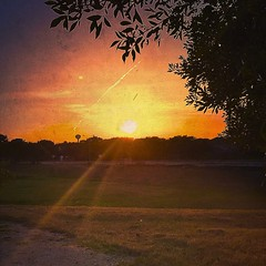 Sunset #17785 (Whew! Made it) (johnnyp_80435) Tags: field daysleft texas pflugerville springbrook sundown sunset 17785
