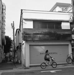 160703_ZenzaBronicaS2_006 (Matsui Hiroyuki) Tags: zenzabronicas2 nikonnikkorp75mmf28 fujifilmneopan100acros epsongtx8203200dpi