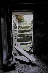 DSC_5976b (creativephotography64) Tags: abandoned abandon abandonedontario abandoncanada abanded urban urbex xplore xplorer forgotten ontario old farm house paint peeling