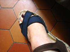 rope left (Ladybadtiming) Tags: shoes shoefreak feet fashion paregabia rope sandals brown blue black straps skin left tiles espadrille