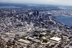 Seattle Center and downtown, 1977 (Seattle Municipal Archives) Tags: seattlemunicipalarchives seattle downtownseattle seattlecenter spaceneedle lakewashington elliott bay waterfronts aerials skylines 1970s
