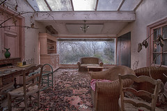 A cup of tea please (La Fricherie) Tags: chateau abandoned abandon colors castle complot urbex urbanexploration urbanexplo urbandecay urbexsud urbexeur urbexpeople urbexfrance lost lostplaces last lostfrance light feuilles leaves terrasse decay dark darkness beautiful beautyindecay beautifulforgot franceexploration france flickrunitedaward forgot forgotten