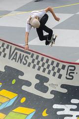 Aaron Homoki (Kevin MG) Tags: usa ca huntingtonbeach orangecounty vans usopen skaters skateboard beach sand ocean sea kids children