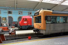 A ver Lisboa. (Tomeso) Tags: cp 5600 siemens ut emu 2200 surex lisboa estacion portugal