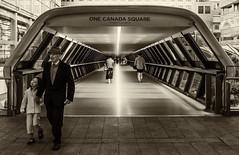 (DeepSane) Tags: canarywharf london onecanadasquare oldmanandchild streetphotography