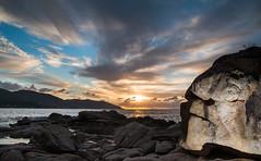 3289R (1 sur 1) (corsicagwen) Tags: sea mer sunrise soleil corse coucher rochers