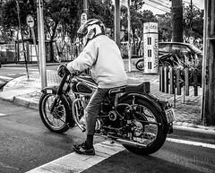 classic bike (Jlemes) Tags: road old white black classic cars ford chevrolet branco brasil blackwhite king ride indian sunday police bikes preto harley curitiba e hotrod rides parana puma davidson hdr brasilia bsa variant gt40 opala 883 davi cruser