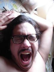 O bocejo mais lindo de todas as manhs. (aureaalmeidas) Tags: bocejo manh rapaz beibe