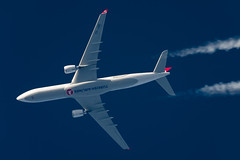 Turkish Airlines Airbus A330-303 TC-JOE (Thames Air) Tags: turkish airlines airbus a330303 tcjoe contrails telescope dobsonian overhead vapour trail