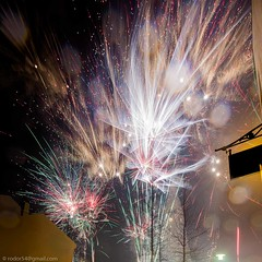 Happy New Year - Gleilegt ntt r (Rodor54 in Iceland - Syria and Yemen in our hearts) Tags: iceland europe fireworks hallgrimskirkja happynewyear felizanonovo rodor ramt glcklichesneuesjahr  felizaonuevo bonneanne flugeldar buonanno  gottnyttr blwyddynnewydddda godtnytr selamattahunbaru godtnyttr chcmngnmmi mutluyllar szczliwegonowegoroku      bliainnuashona