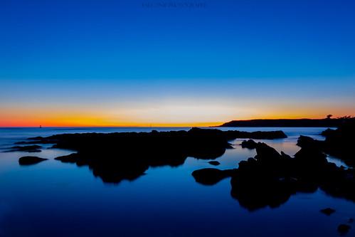 blue sunset sky seascape france water zeiss landscape eau nightshot sony bleu hour bluehour crépuscule nuit variosonnar ishootraw rx100 vctr100 bwfpro falcon®photography
