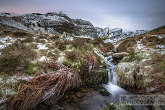 Cerreg Gleisiad (Lewis Fackrell) Tags: longexposure cliff cloud sun mountain snow fern water southwales river atmosphere breconbeacons rise cerreg gleisiad
