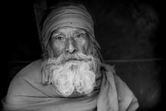 Inde du nord 2014: sadhu  Rishikesh. (claude gourlay) Tags: blackandwhite bw noiretblanc nb