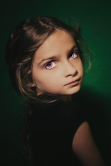 Bright Eyes (AGraddyPhoto) Tags: portrait canon children child daughter brighteyes alienbees canon60d agella agraddyphoto adamgraddy adamgraddyphotography alientbeesb800