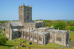 St Davids Cathedral, St Davids, Pembrokeshire, Wales.  Happy St Davids Day. (Minoltakid) Tags: old history beautiful wales happy cathedral unitedkingdom fine historic welsh pembrokeshire stdavids stdavidsday sirbenfro stdavidscathedral pembrokeshirewales dewisant happystdavidsday 1march rossevans smallestcityintheunitedkingdom minoltakid theminoltakid rossdevans smallestcityinwales glynrhosyn thevaleofroses thedateofsaintdavidsdeath