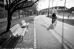 Bike time (fernando_gm) Tags: street blackandwhite bw blancoynegro monochrome bike copenhagen denmark monocromo calle nikon bicicleta bici aire libre dinamarca bycicle copenague copenhague callejera monocromatico d7000