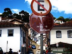 DSCF7433 (raissacrisss) Tags: bumbum pare musica tchan ax ouro preto minas gerais mg br brasil brazil piada comedia satira stira city cidade historica poesia cultura texto song