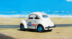 Volkswagen Beetle And Volkswagen Microbus Pull Back And Let Go Die-Cast Toy Made By Funtastic Birmingham England 2015 : Diorama Beach - 1 Of 34 (Kelvin64) Tags: volkswagen beetle and microbus pull back let go diecast toy made by funtastic birmingham england 2015 diorama beach
