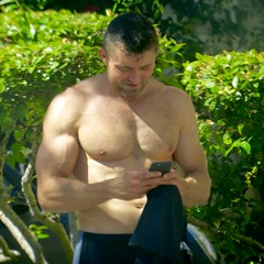 IMG_5692 (danimaniacs) Tags: shirtless man hot sexy guy pecs cellphone hunk westhollywood scruff mansolo