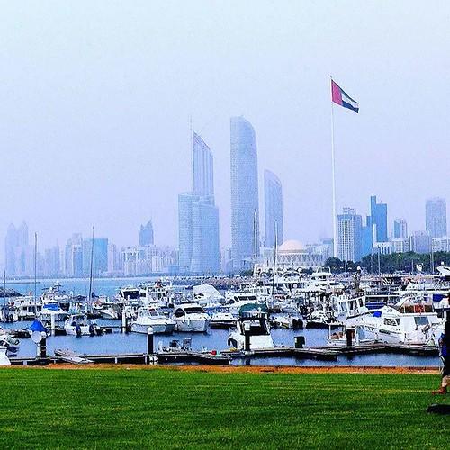 Abu Dhabi Corniche   #AbuDhabi #Boat #corniche #yacht #Flag #UAE