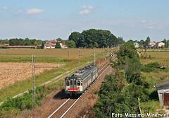 Doppietta dall'Alto (Massimo Minervini) Tags: aln668 aln6681845 trenord automotrice serie1800 viaggiatori passeggeri treno rail diesel malagnino cremona mantovacremona canon400d