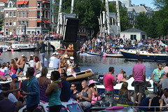 Canal Pride Amsterdam 2016 (O. Herreman) Tags: amsterdam gaypride canalpride canal pride homo biseksueel transgender lesbisch europride feest boten botenparade nederland amsterdamsegrachten eurogayprideamsterdam outdoor stad party mensen travestie prinsengracht brouwersgracht water city friends people homoemancipatie europe netherlands holland paysbas noordholland centrum amsterdampride parade lgbt freedom liberty rights droits gay civilrights festa fte coc boat bateau crowd happy reguliersgracht pont lovewins toerisme straatfeest streetparty canalprideamsterdam gayprideamsterdam gracht grachtenparade grachten