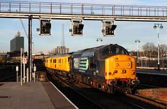 37667 (Andy Hughes Rail Pics.) Tags: hull 1q05 37667 08122014