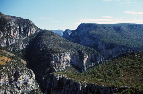 "125F Gorges du Verdon • <a style=""font-size:0.8em;"" href=""http://www.flickr.com/photos/69570948@N04/15996726805/"" target=""_blank"">View on Flickr</a>"