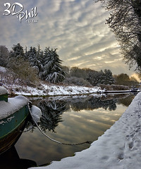 Staffs & Worcester Canal, Wolverhampton 2 (3dphil) Tags: christmas winter sky snow west boats canal 3d phil compton staffordshire narrow hdr worcester midlands wolverhampton narrowboats 3dphil