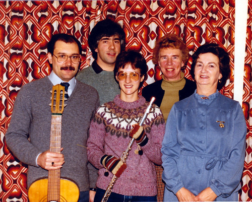 1984 Puss in Boots 07 (from left Brian Barber, Tony Carr, Christine Heward, Isobel Bickerstaff, Jean Peace)