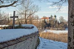 Kloster Seeon (memories-in-motion) Tags: winter zeiss 35mm canon germany landscape bayern deutschland see oberbayern kirche kreuz landschaft f11 kloster distagon seeon chiemgau 180sec 5dmarkiii zeissdistagont1435ze