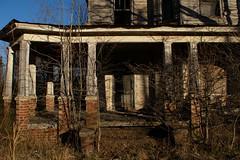 inviting (History Rambler) Tags: old morning light house abandoned home rural decay victorian kill1