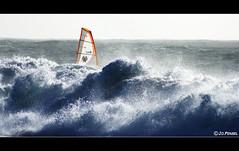 Windsurf ile aux vaches (jo.pensel) Tags: france fun brittany waves wave bretagne breizh vague vagues voile planche windsurf finistre nautisme atlantique finistere funboard audierne planchevoile baiedaudierne esquibien jopensel jocelynpensel jocelynpenselphotographe jopenselcom wwwjopenselcom