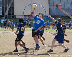 20120129_quidditch_DSC_5112 (parlance) Tags: blue game sports field grass hoop ball losangeles goal intense nikon contest harrypotter competition geeks nerds ucla hobbies athletes quidditch headbands snarl brooms competitive westerncup nikond7000 ohshari sharibellis nikkor75150mme