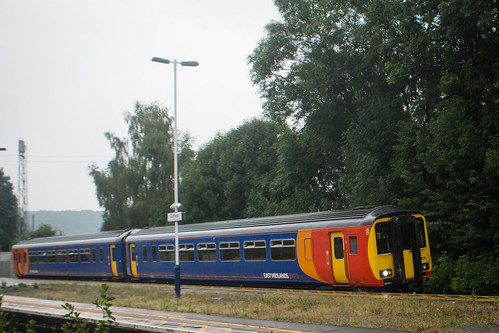 158406 at Duffield station