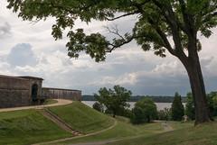 Fort-Washington-10 (vaabus) Tags: fortwashington fortwashingtonmaryland fortwashingtonpark bastion casemate cannon 24poundercannon caponniere civilwardefensesofwashington fortification
