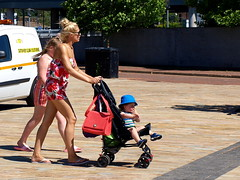 Salford Family Day Out? (marbowd37) Tags: streetphotography salfordquays salford street mediacity people girl