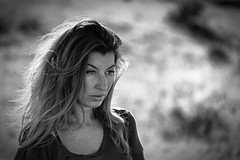 In the moment (Akapov Photography) Tags: bnw bw mono monochrome byn bn blancoynegro blackandwhite woman mujer face hair pelo cara retrato portrait portraiture canon canon6d stunning expression