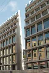 Palazzo Feltrinelli, Milano, Italia (B Plessi) Tags: feltrinelli milano milan italia architecture piazza baiamonti via pasubio porta volta bastioni luce sole sun soleil