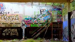 Oldenburg - (street: Melkbrink) 29th picture / Graffiti, street art (tusuwe.groeber) Tags: projekt project lovelycity graffiti germany lowersaxony oldenburg streetartstreetart niedersachsen farbig farben favorit colourful colour sony sonyphotographing nex7 bunt red rot art gebude building gelb grn green yellow abs psk lager lagerhalle hall halle melkbrink