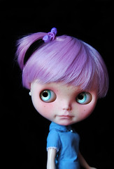 Lilah (Fausto & Gretchen  (busy with my Ph.D)) Tags: custom blythe doll short hair lavendder hug