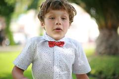 (Sin Herbert) Tags: child boy nino chico correr run jump saltar portrait retrato canon 5d 50mm f12